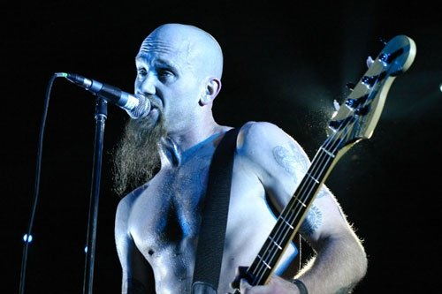 Nick Oliveri plugs in his punk-metal Mondo Generator at Shakedown Thursday night.
