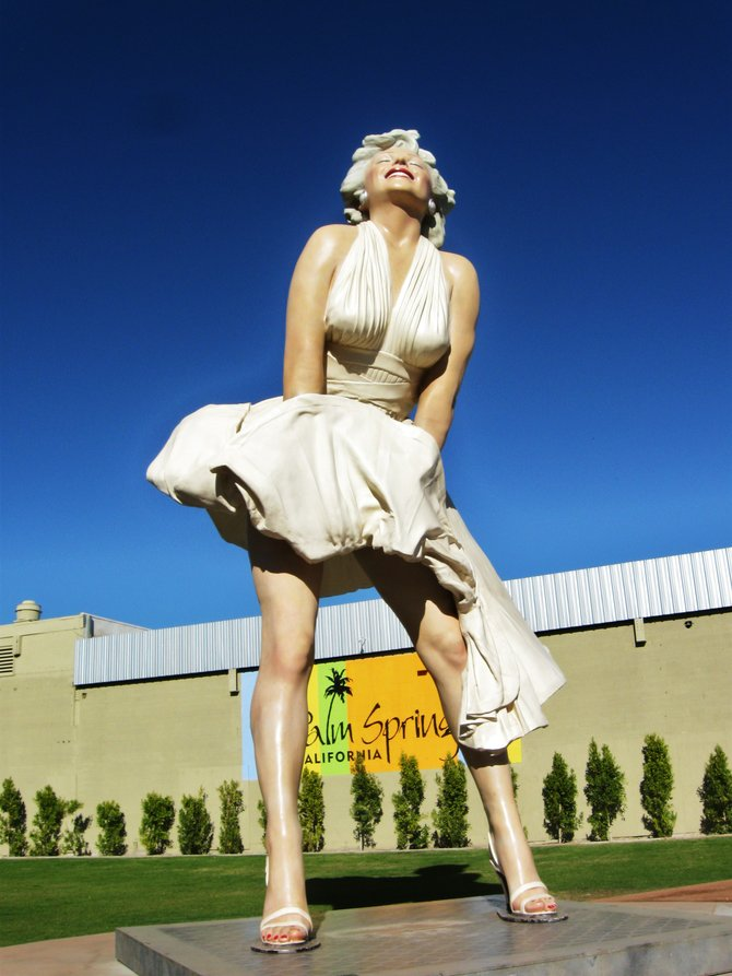 Marilyn Monroe makes her debut in Palm Springs, CA. once again!  This larger then life statue is 26 feet in height and wieghs 34,300 pounds.  She's beautiful and make sure you bring a camera or your cell phone to take all those photos to share with your friends.   Vilma Ruiz Pacrem