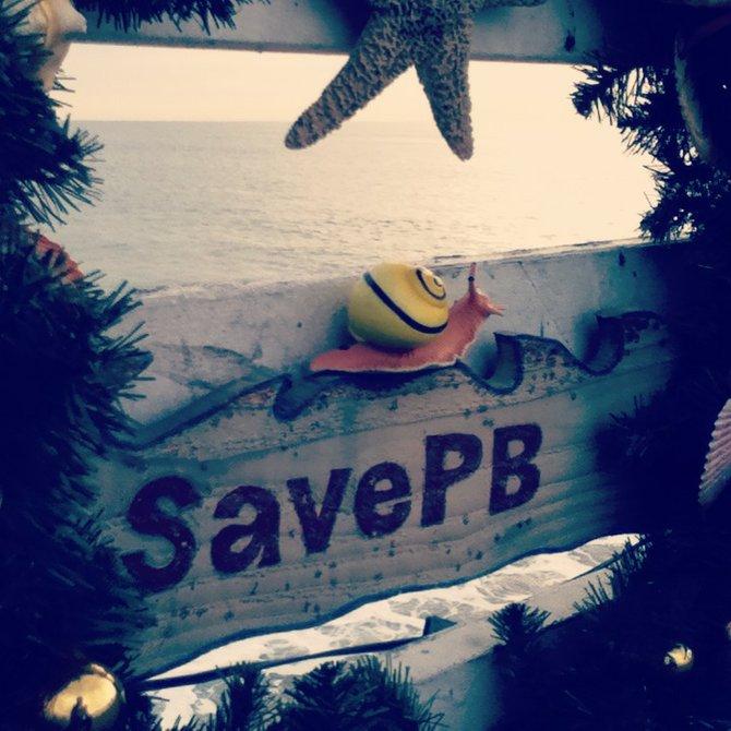 wreath at PB pier!