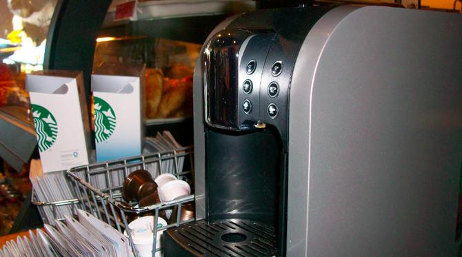 A  Starbucks Verismo machine