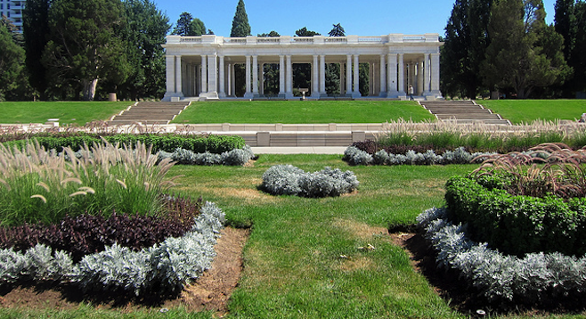 Cheesman Park Pavilion at a decidedly non-haunted-looking time of day.