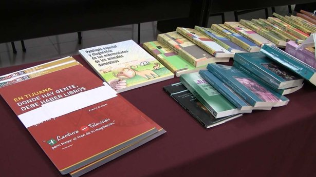 Colef and UABC donate books to Public Libraries