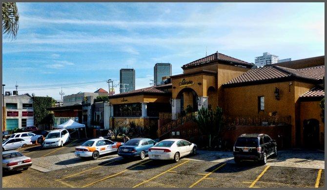 IN TIJUANA'S ZONA RIO GASTRONOMIC DISTRICT/En el Distrito Gastronomico de la Zona Rio,Tijuana,BC