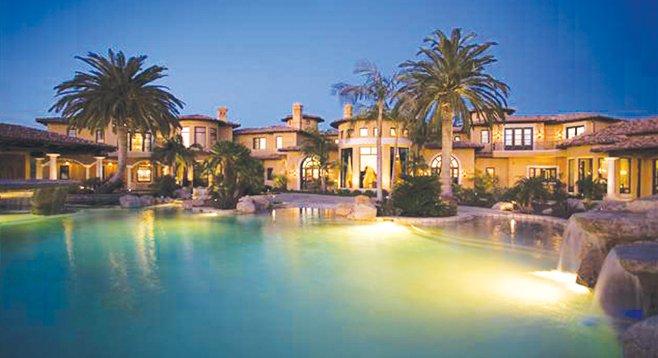 Casa Piena includes a 3000-square-foot custom-designed infinity pool.