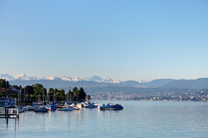 Swiss bliss: dumbstruck on Lake Zurich.
