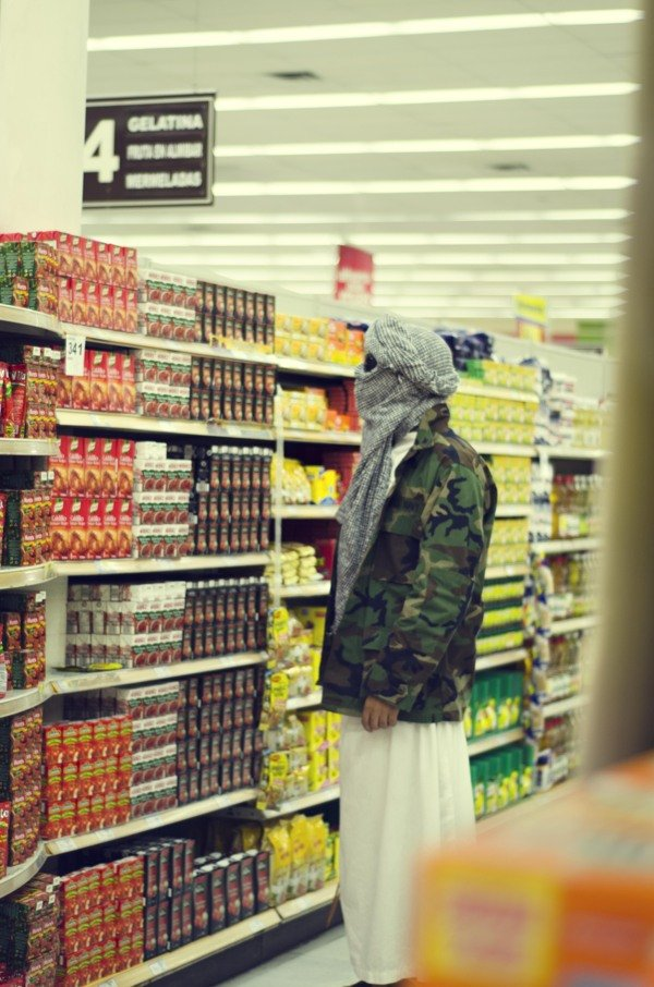 Photo: Ale Uzarraga (from *Terror Casual* series)