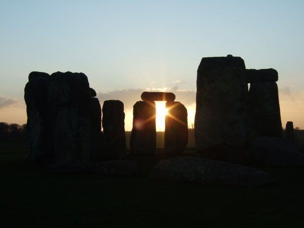 'Buffalo Girl Travel' Goes Behind the Ropes at Stonehenge for Sunrise