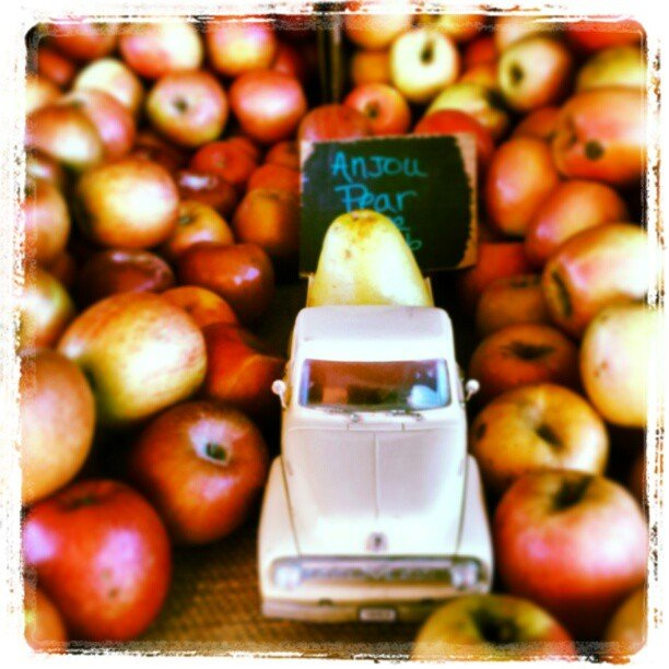 Truckload of local fruit at Sunshine Gardens, Encinitas