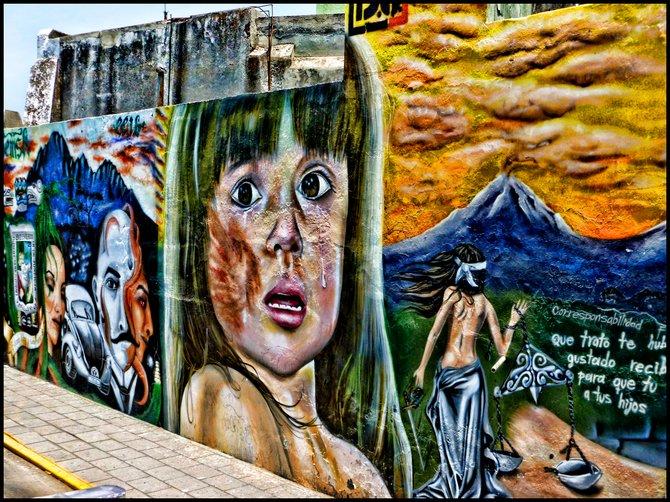 Street mural in Puebla, Mexico