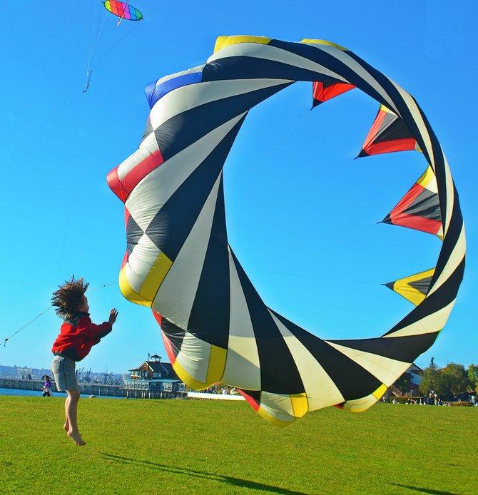 kites at the Embarcadero, Seaport Village