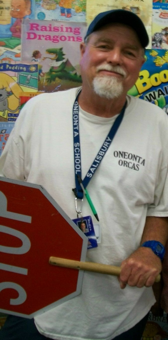 South Bay Union School District (SBUSD) volunteer Pete Salisbury from Oneonta Elementary School Imperial Beach has been nominated by his school principal for the 2013 San Diego County School Volunteer of the Year Award sponsored by DonorNation.