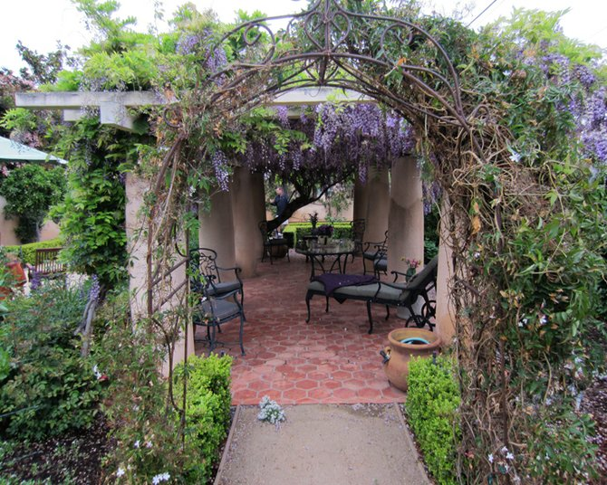 Another shot from flower show website of 9th St. winner - clearly a patio
