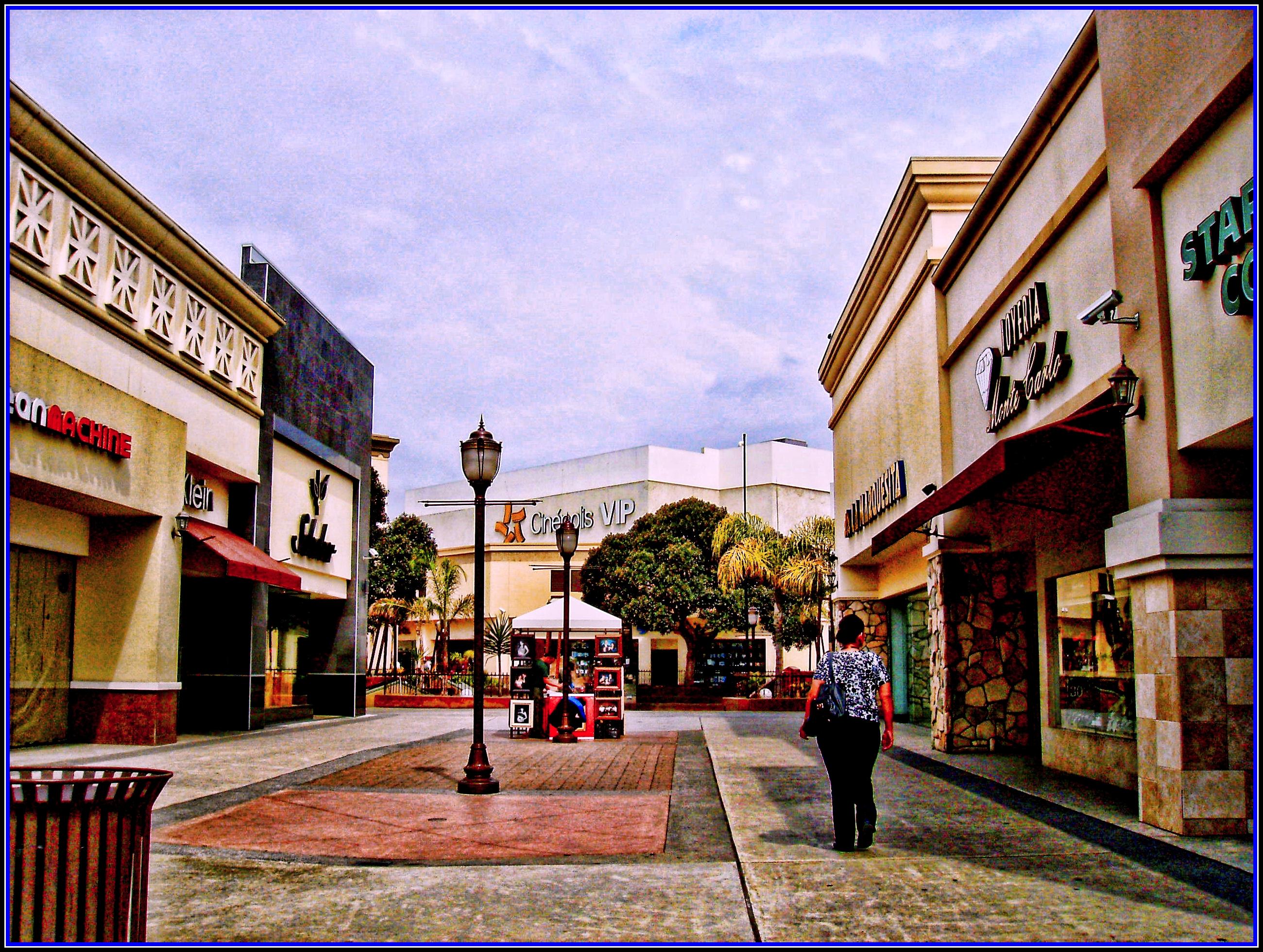 Neighborhood Photos TIJUANA,BAJA CALIFORNIA Plaza Rio Tijuana Shopping Center /Plaza Rio Tijuana
