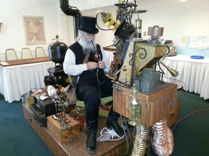 Mr. Hutsell (aka Lithobius Quick) and his Steam-Powered Marvelous Miniaturizing Shrink Ray