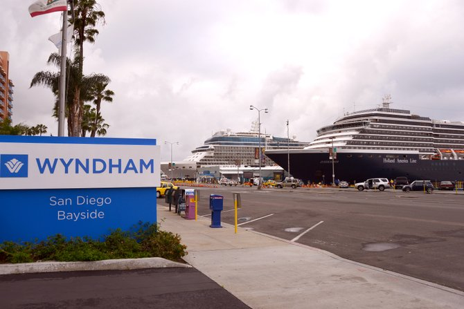 Downtown San Diego, Cruise Ships in port
