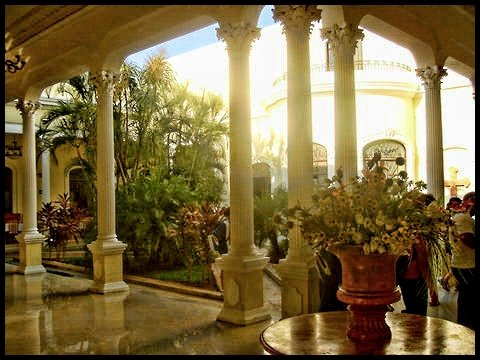 Travel Photos MERIDA,YUCATAN,MEXICO Hotel's interior courtyard in city of Merida /Patio interior de hotel en ciudad de Merida.