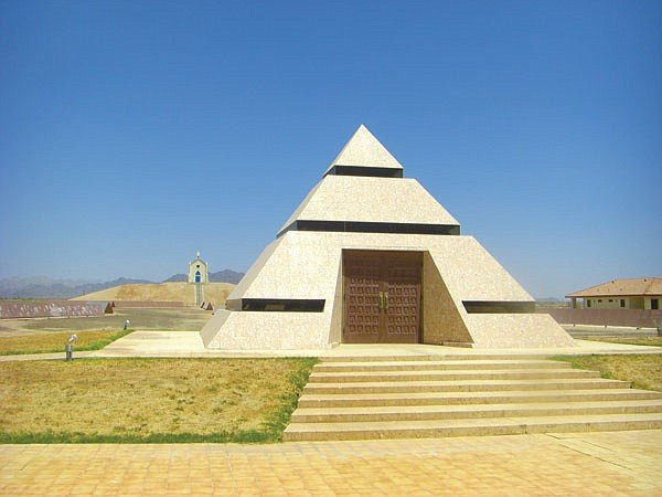 "The eccentric millionaire who built this pyramid wants it to become mankind's ""central point for memories."""