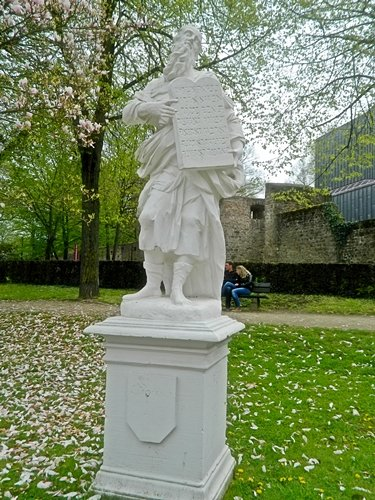 Statue of Moses in Palace Gardens.