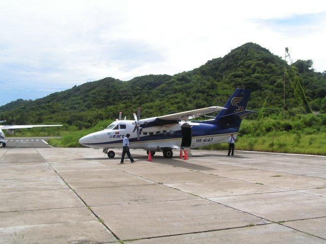 The plane to Providencia.