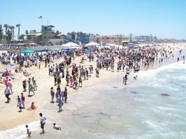 Big crowd in Imperial Beach for Surf Dog Competition