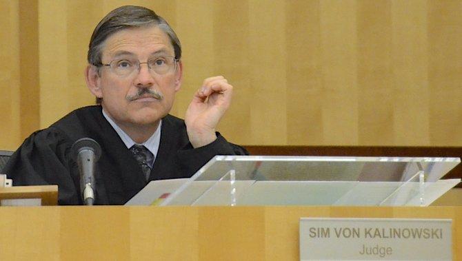 Judge von Kalinowski noticed the plaid shirt. Photo Weatherston.