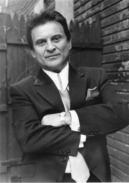 "The  DeNiro bob or ""I'll wear whatever the fuck wig Marty says"": ""JOE PESCI as the volatile Tommy De Vito in Warner Bros. 'GoodFellas,' a film which spans thirty years in the life of a Mafia family, also starring Robert De Niro, Ray Liotta, Lorraine Bracco and Paul Sorvino."""