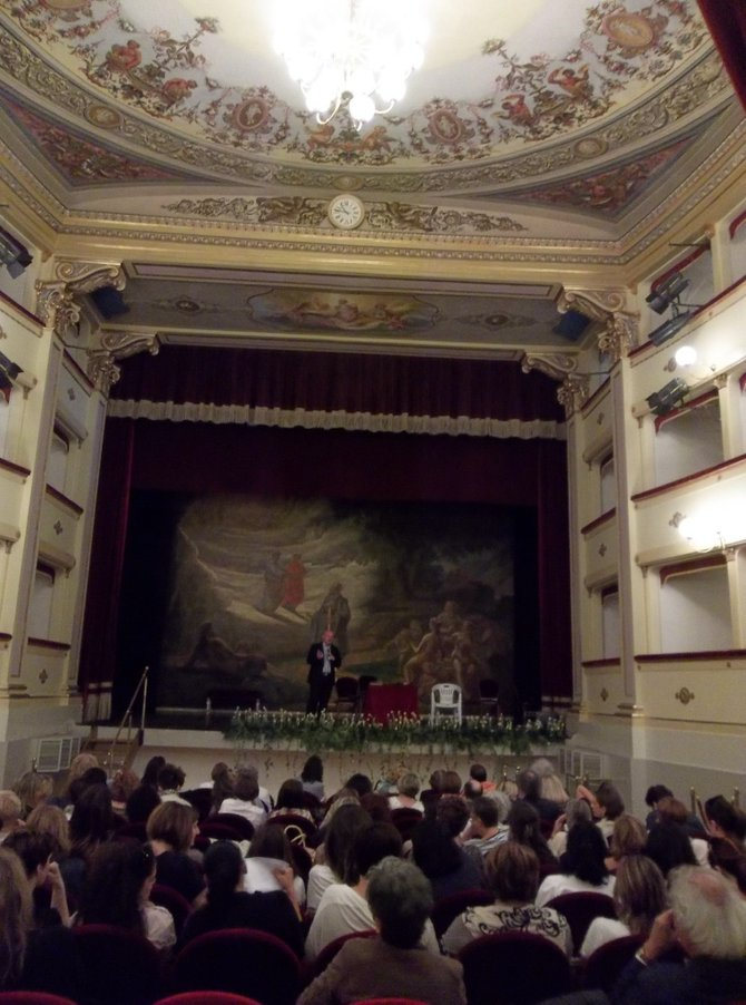 Performance at the Annabel Caro theater.