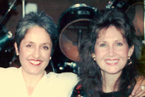 Suzanne Shea and Joan Baez at the West Coast Players gig. Photo courtesy of Suzanne Shea.