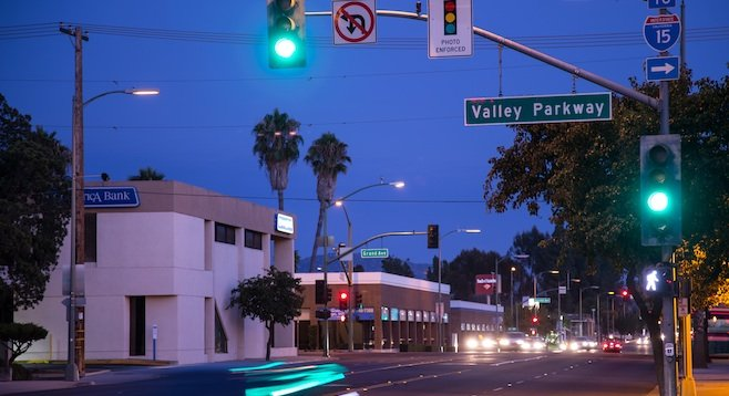 Escondido Boulevard And Valley Parkway Light.
