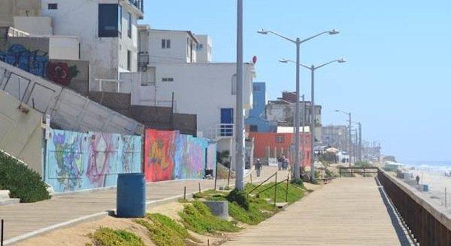 Playas Boardwalk