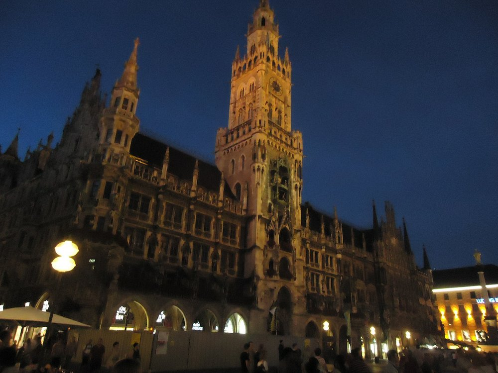 Nighttime in Munich's Marienplatz.