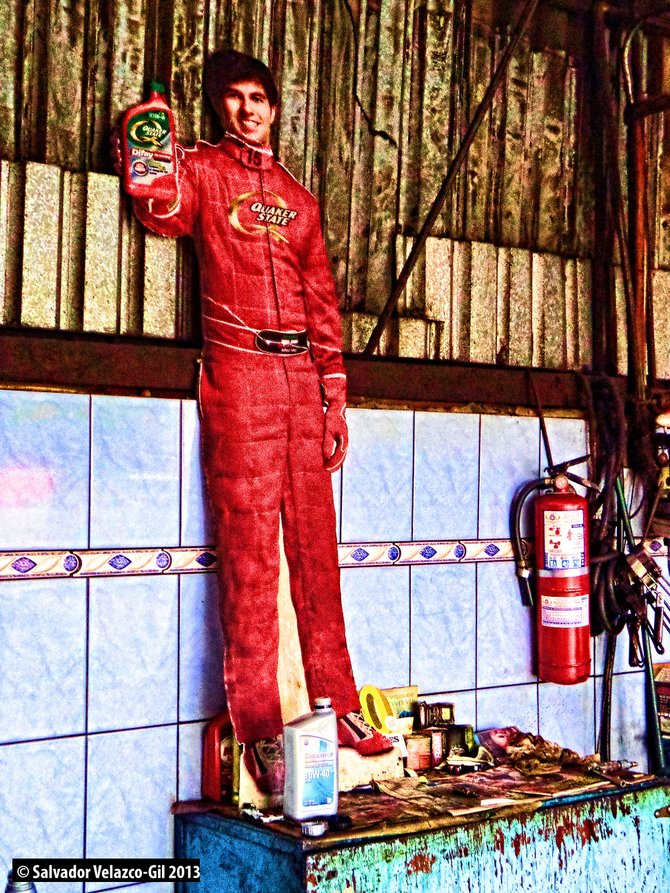 Neighborhood Photos TIJUANA,MEXICO Tom Cruise selling oil in repair shop / Tom Cruise vendiendo aceite en taller mecanico.