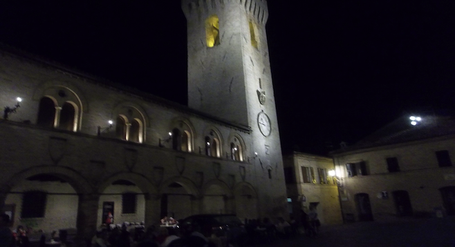Night on the piazza in Montelupone.