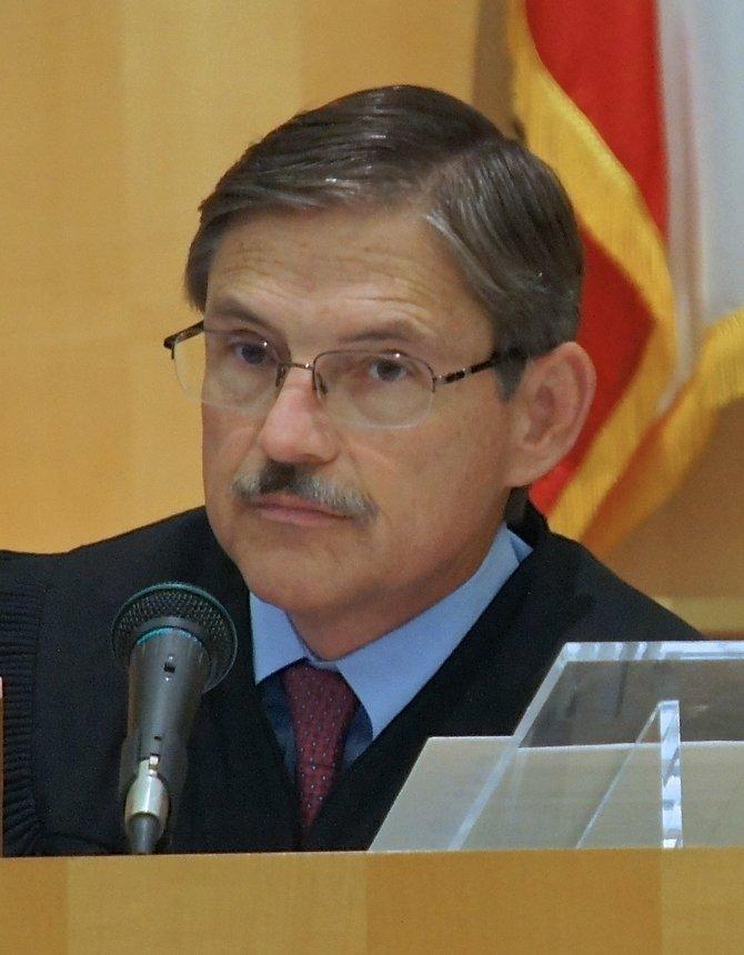 Hon. Sim von Kalinowski. Photo Eva.