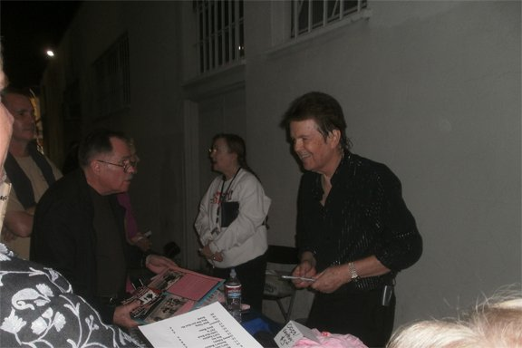 The Standells Larry Tamblyn meets fans post show. Photo by Bart Mendoza.