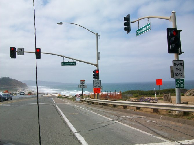 The road thru Del Mar leads right past the beautiful Torrey Pines State Reserve.
