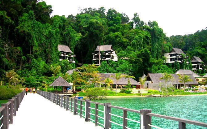 Past the resort, the rainforest awaits visitors to Pulau Gaya.