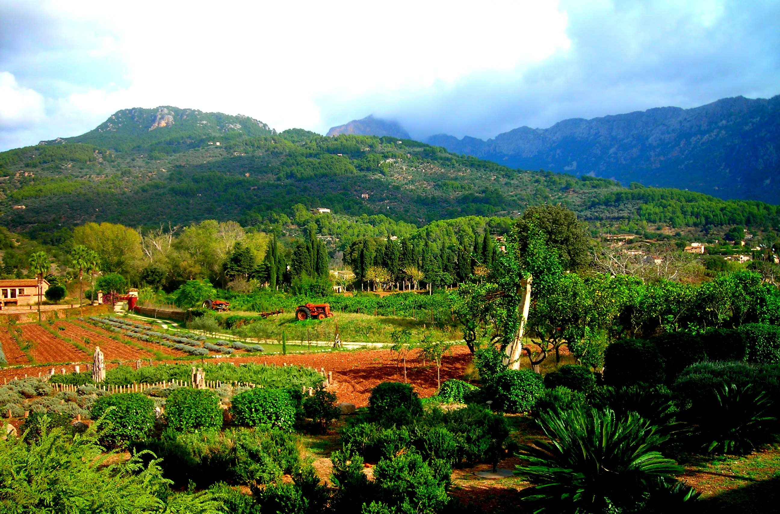 The Sierra de Tramuntana Mountains of Palma de Majorca - that invites hikers, climbers and charms every visitor.