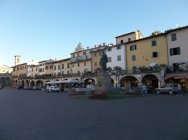 The town's main square, Piazza Matteoti.