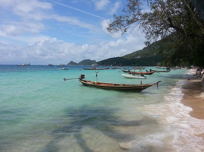 Tropical blue waters of Koh Tao.