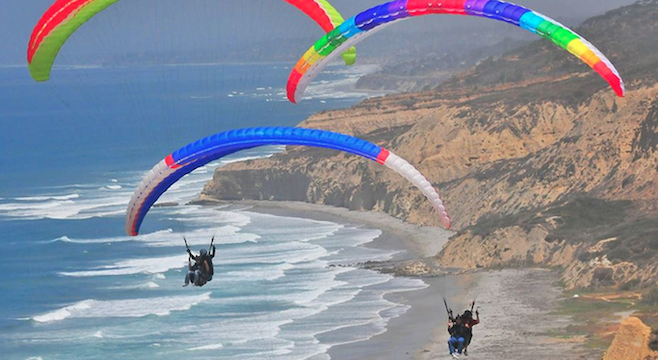 (image from Torrey Pines Gliderport Facebook page)