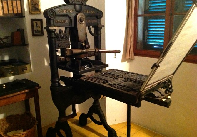 The letter press machine that published some of Robert Graves's influential novels and poetry.