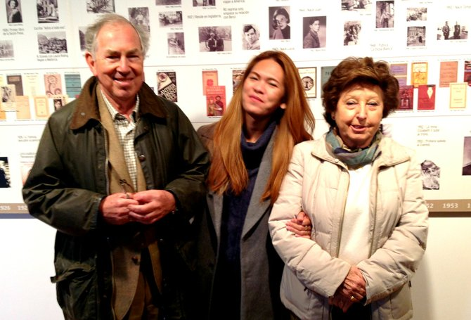 Rubbing elbows with William, Robert Graves's son, the author and William's wife, Elena.