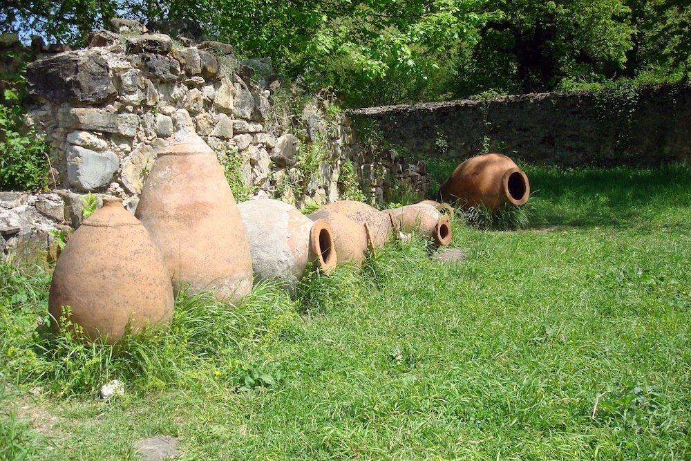 Kvevri in Ikalto.