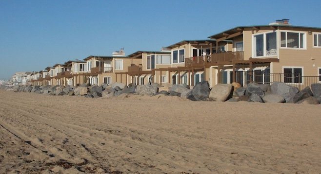 Imperial Beach condos subjected to flooding