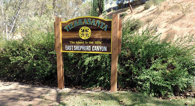 The entrance to East Shepherd Canyon is clearly marked.