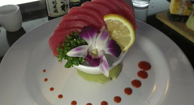 Sashimi on ice looks fantastic, but this is just plain wrong in terms of proper fish service!