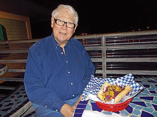 Fellow dinner Paul tried the bierwurst.