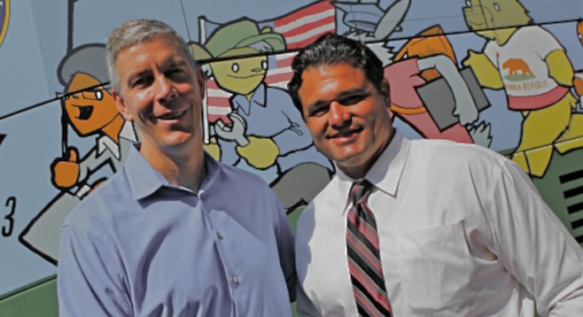 U.S. secretary of education Arne Duncan and principal Robert Bleisch at Castle Park Middle School