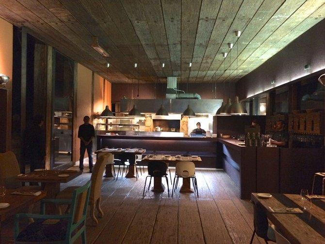 Corazon de Tierra dining room